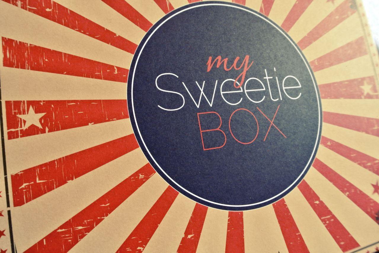 JANIS-EN-SUCRE-Sweetie-Box-Circus-02