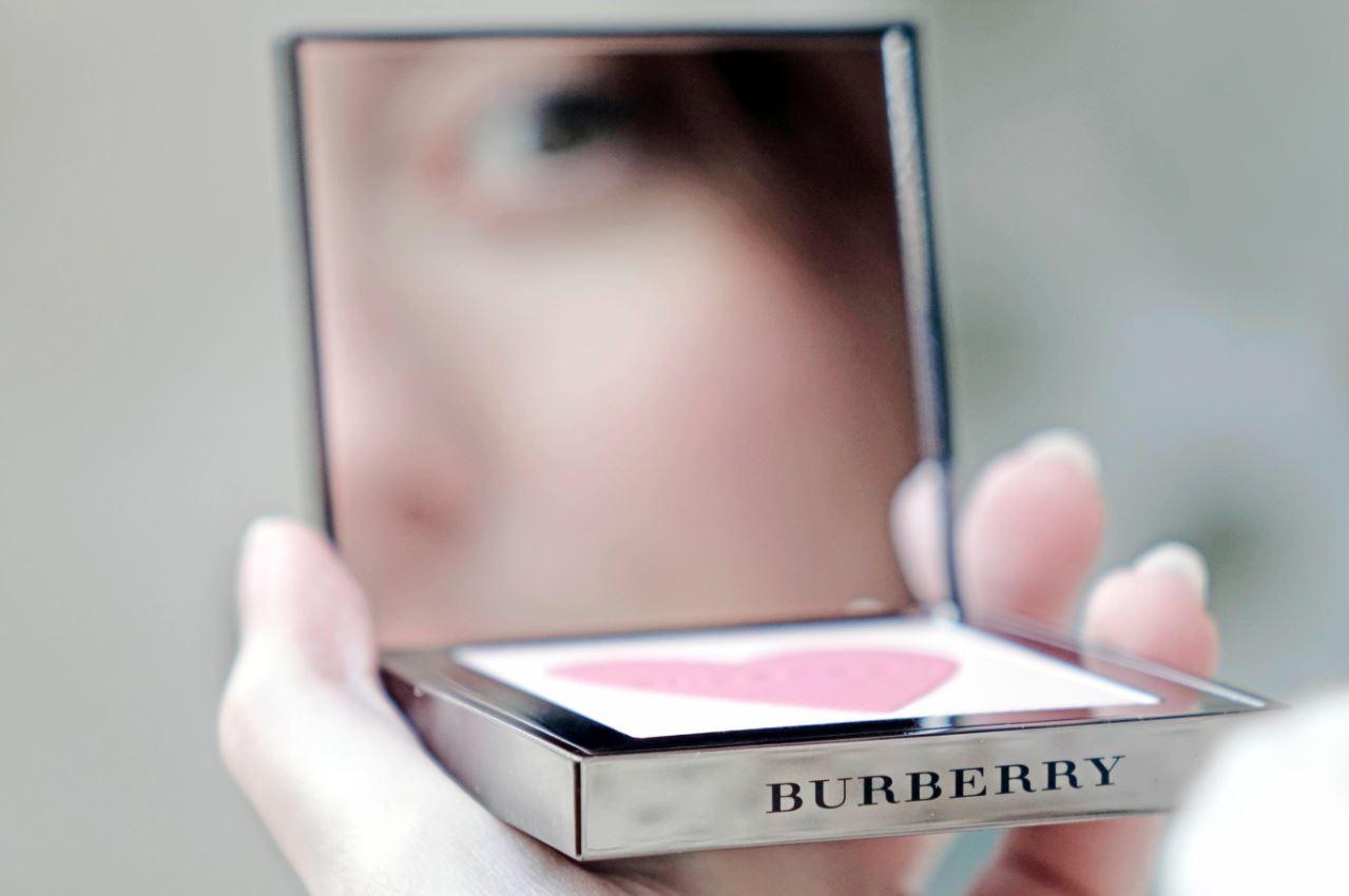 JANIS-EN-SUCRE-Burberry-Blush-07