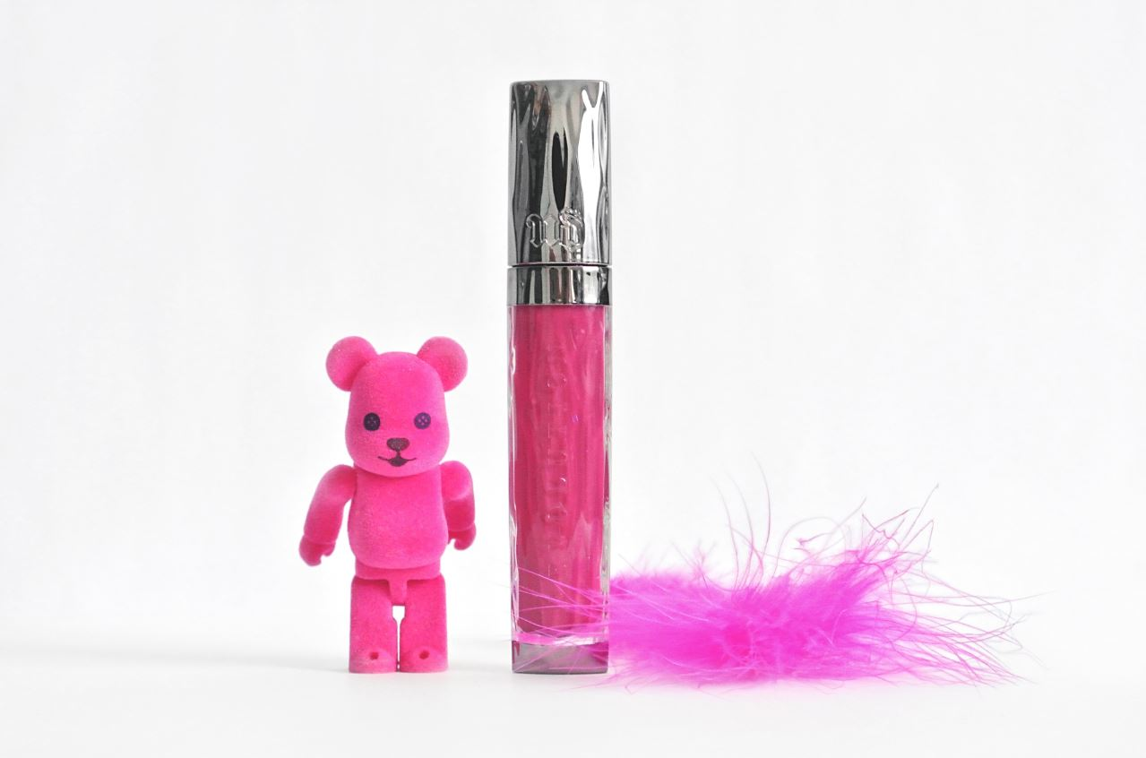 JANIS-EN-SUCRE-Urban-Decay-Gloss-01