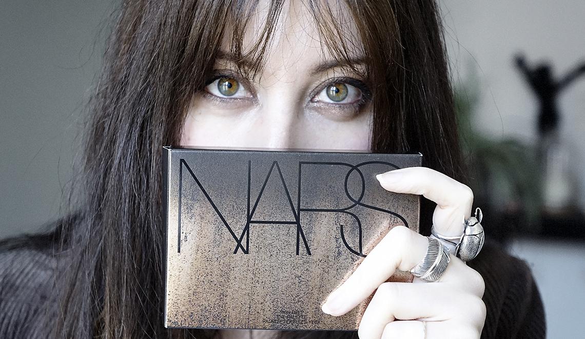 Un regard charbonneux avec la palette «Skin Deep Eye» de Nars