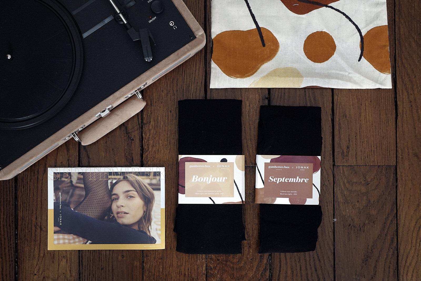 Les collants de la Gambettes Box de septembre 2019 avec Tara Jarmon