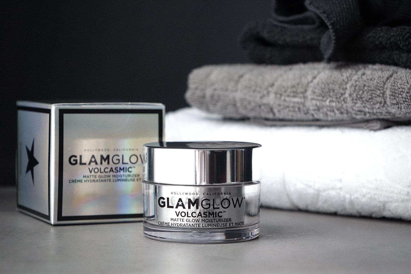 Les produits Volcasmic et Galacticleanse de Glamglow