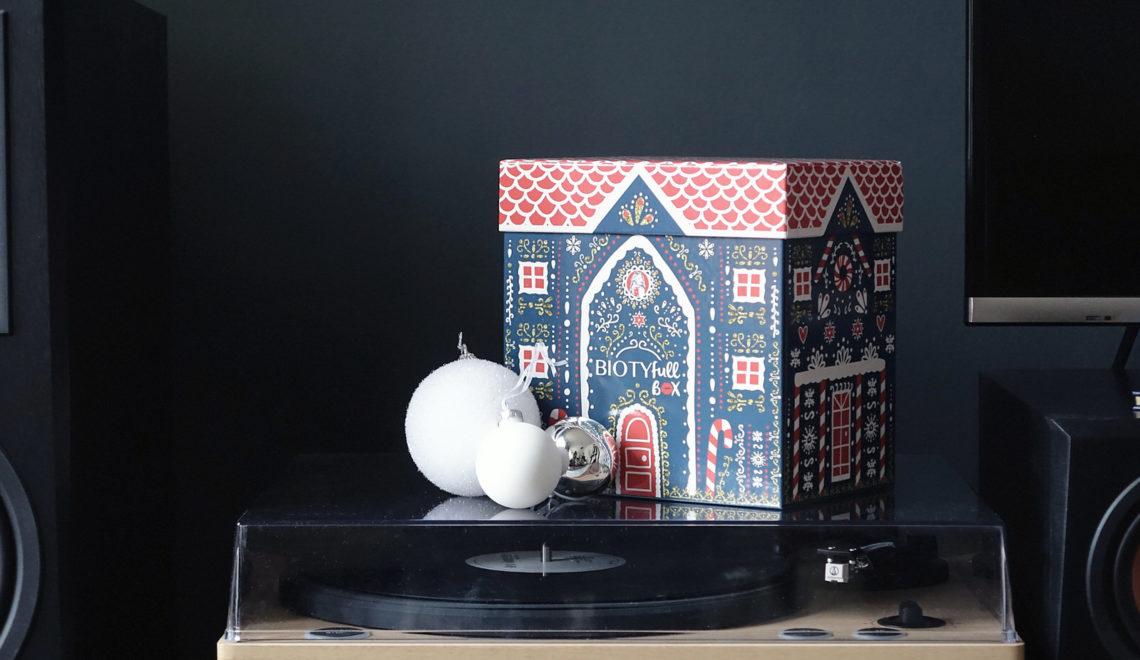 BIOTYfull Box – Décembre 2019 – « La Raffinée & Scintillante » version Chalet de Noël