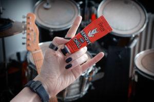 """la crème dissolvante pour vernis à ongles """"The Sign Tribe"""", rock et vegan"""