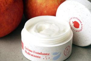 Les crèmes pour le visage Akane à la pomme et la feuille, l'oléoactif